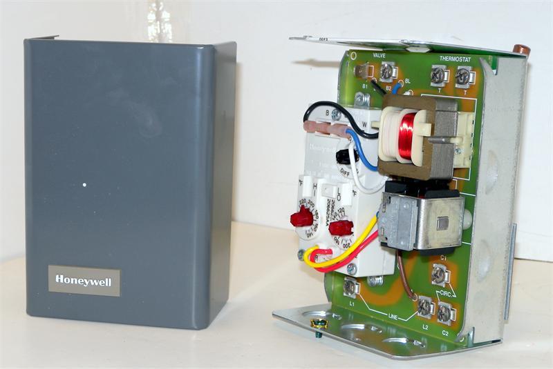 Honeywell L8124b1039 Triple Aquastat Relay With High Limit